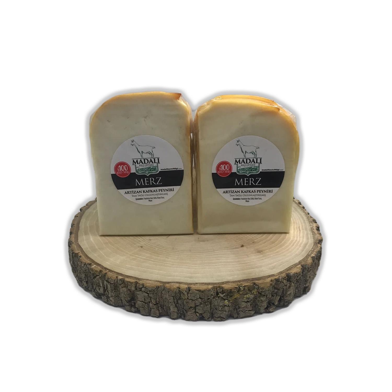 Madalı Keçi Merz Artizan Kafkas Peyniri 250 Gr